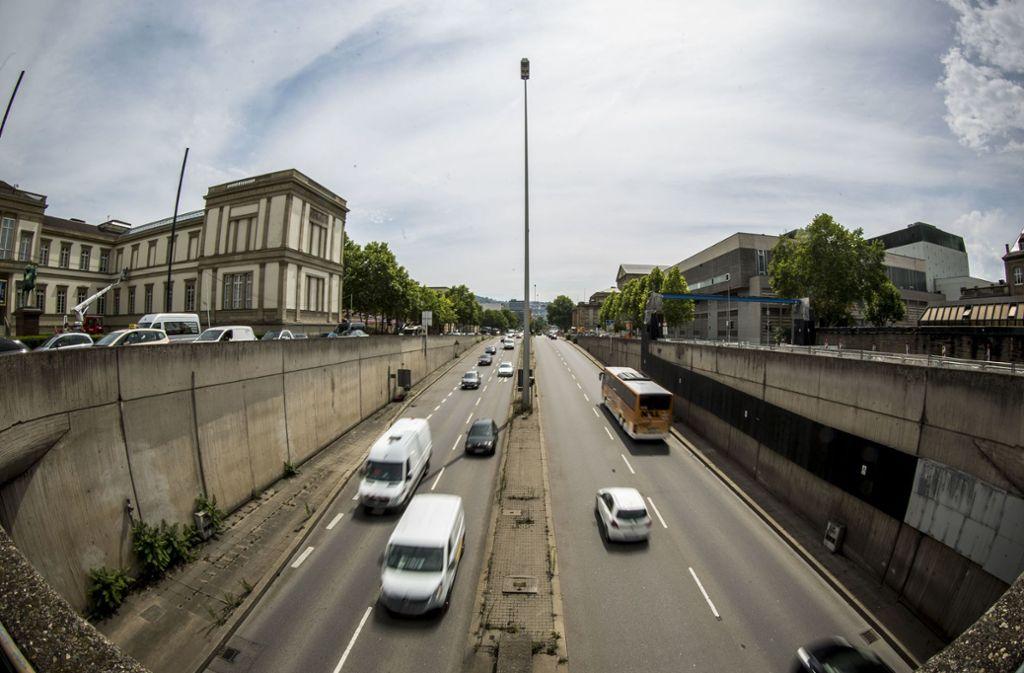 Die trennende Wirkung der B14 speziell im Bereich der Kulturmeile zu überwinden ist eine der Aufgabenstellungen für die Verkehrsplaner beim Ideenworkshop. Foto: Lichtgut/Leif Piechowski Foto:
