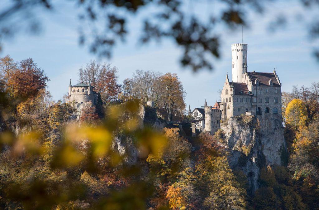 Am Schloss Lichtenstein kam es am Sonntag zu einem Unfall. Foto: dpa/Sebastian Gollnow