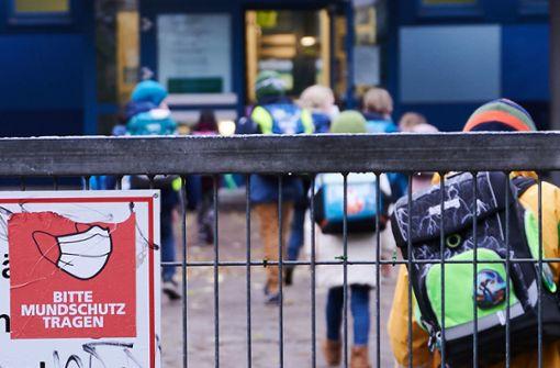 Land lehnt Maskenpflicht für Grundschüler ab