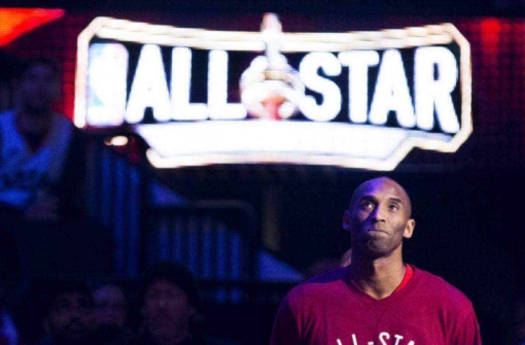 Kobe Bryant war der Spieler, des sich am ehesten mit Michael Jordan messen kann. Nach 20 Spielzeiten beendet er nun seine Karriere in der NBA. Foto: AP