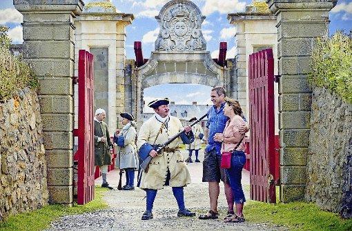 Bewaffnet: Die Wache am Eingang von Fort Louisbourg. Foto: Destination Cape Breton