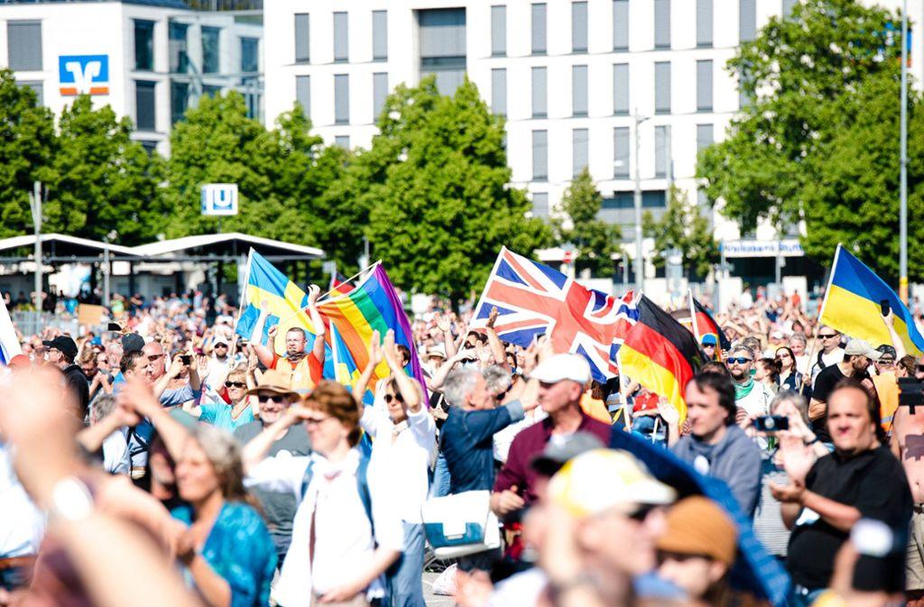 Tausende hatten sich vor einer Woche auf dem Wasen zu einer Demonstration zusammengefunden. Foto: 7aktuell.de/Marc Gruber