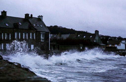 Stromausfälle in tausenden Haushalten