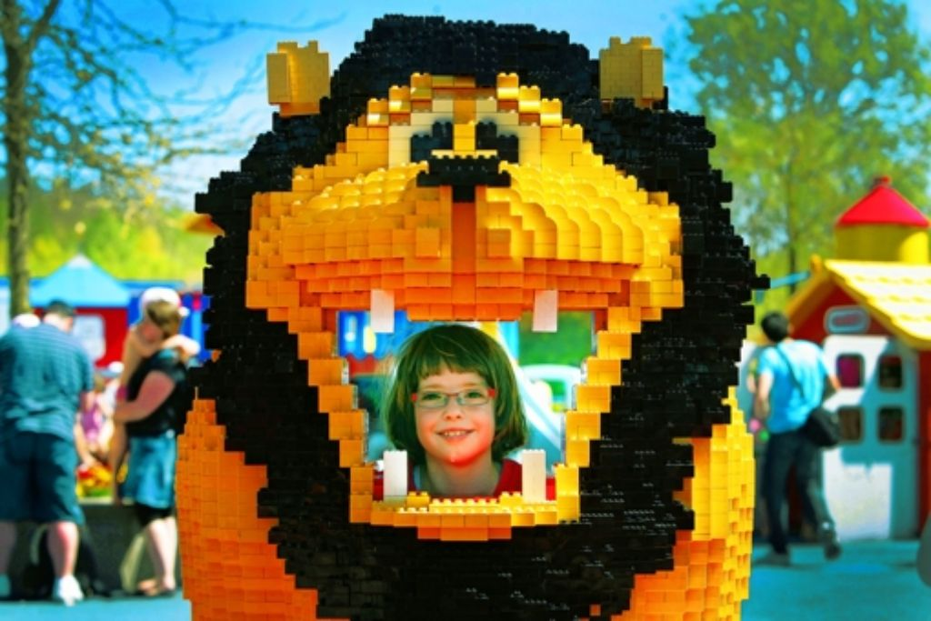 Gut drauf: Lea im Legoland Foto: Achim Zweygarth