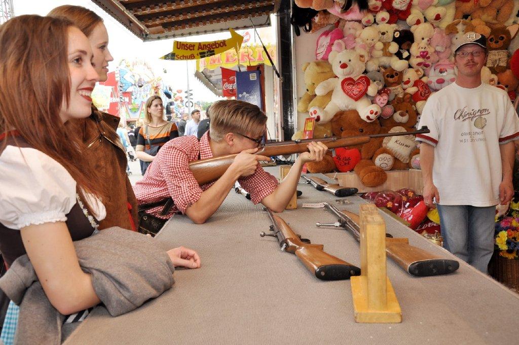 Vatertag auf dem Stuttgarter Frühlingsfest: Zwischen den Attraktionen und in den Zelten haben nicht nur die Männer gefeiert. Klicken Sie sich durch die Bilder ... Foto: www.7aktuell.de