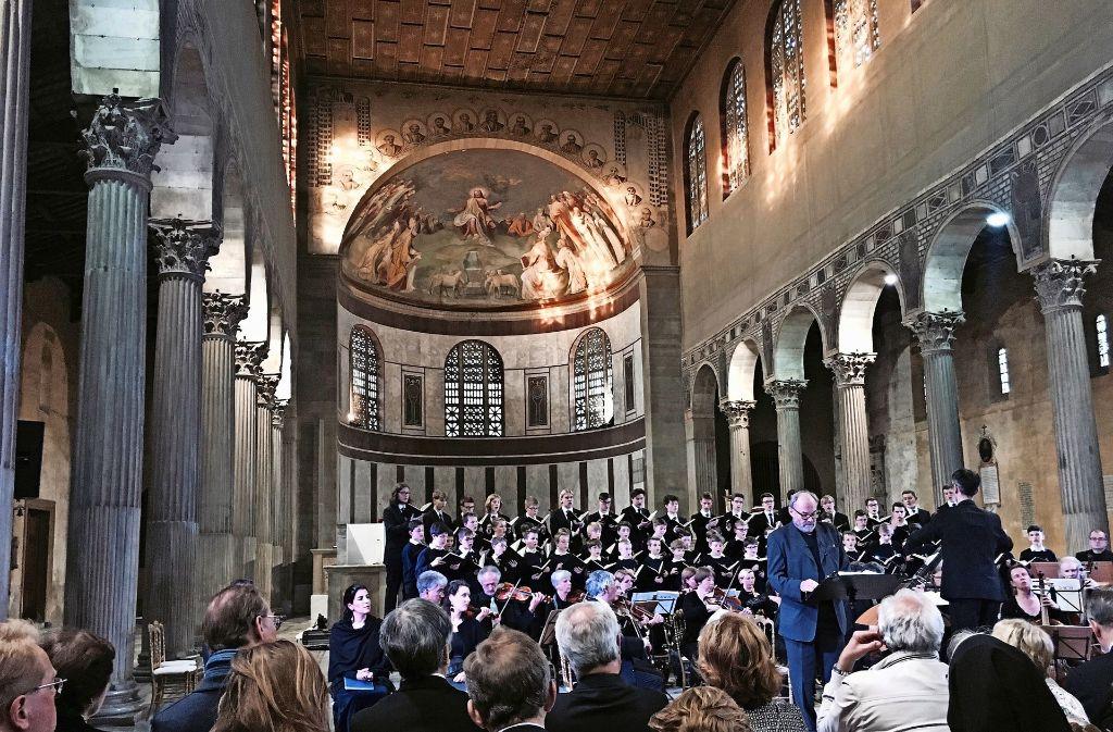 Johannes-Passion des Knabenchors Collegium Iuvenum. Vorne: Klaus Maria Brandauer. Foto: Siefert