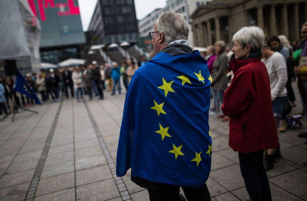 Für Europa: Bürger demonstrieren auf dem Schlossplatz. Foto: Lichtgut/Christoph Schmidt