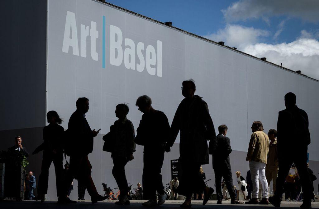 Besucherschlangen gibt es bei der Art Basel in diesem Jahr erst im Herbst. Foto: AFP/Fabrice Coffrini
