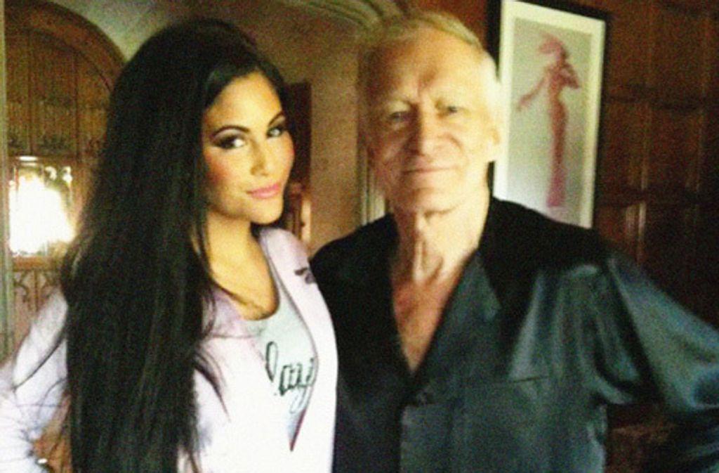Mia Grauke bei einem Besuch in der Playboy-Mansion mit Hugh Hefner. Foto: Oliver Kobs Management