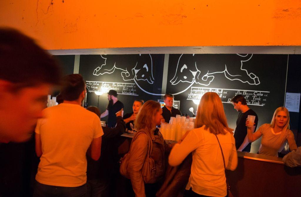 Statt am Stuttgarter Messegelände mit 60 Bands wurde im Wizemann bei Bilderbuch gefeiert. Das tat der Stimmung an der Bar (Archivfoto) und vor der Bühne allerdings keinen Abbruch. Foto: Lichtgut/Achim Zweygarth