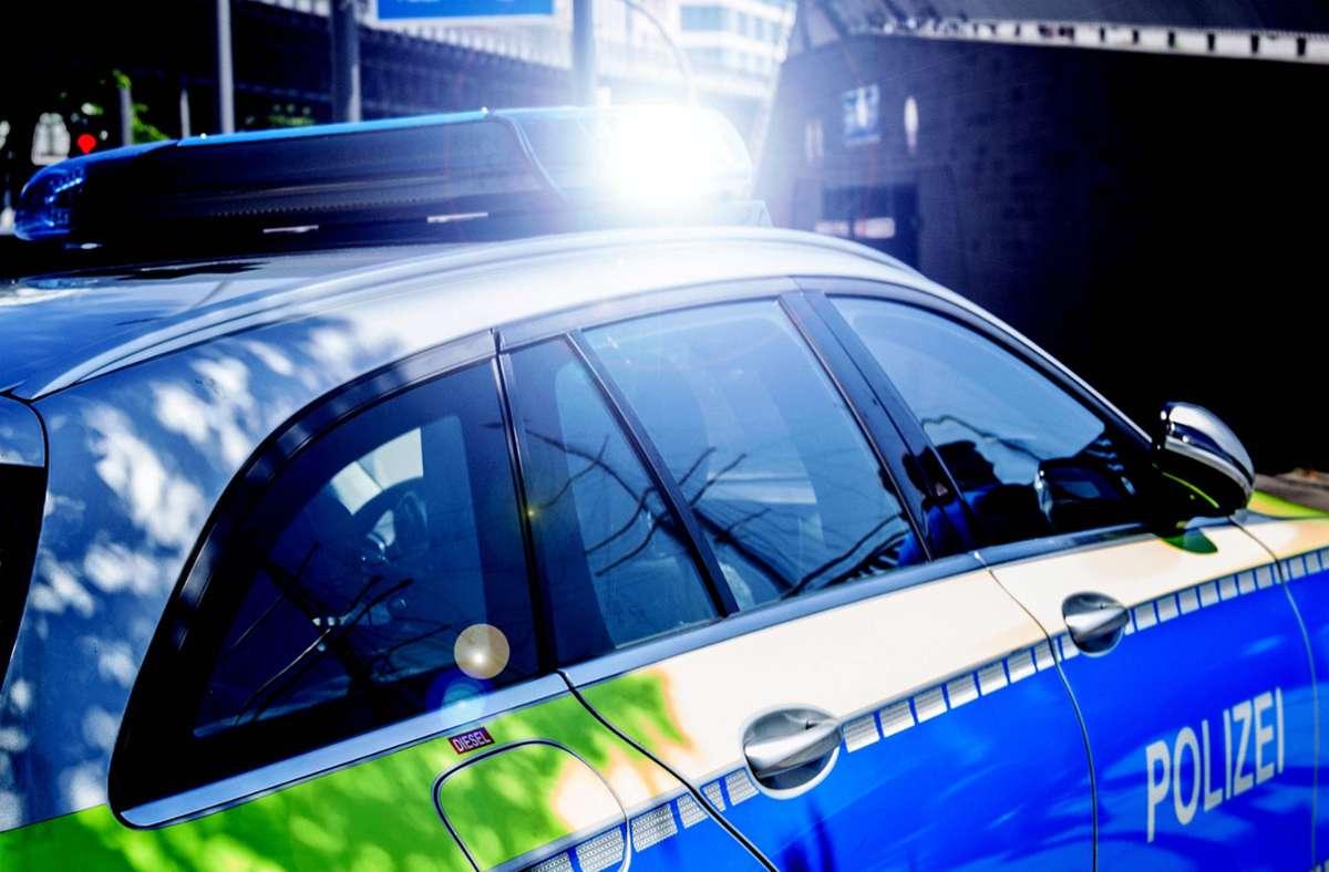 Die Polizei verhaftete in Stuttgart-Mühlhausen zwei mutmaßliche Ladendiebe (Symbolbild). Foto: imago images/Fotostan// K. Schmitt
