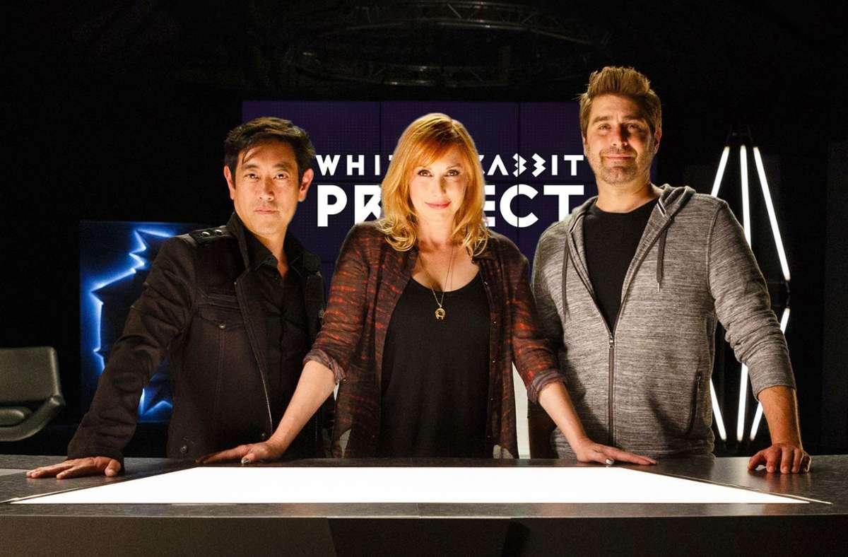 """Auch in der Netflix-Serie """"White Rabbit Project"""" war Grant Imahara (links) ein Teil des Teams. Foto: dpa/---"""