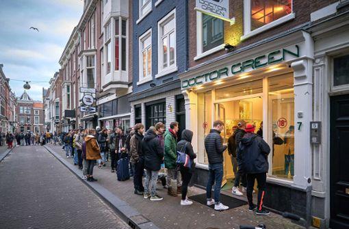 Niederländer hamstern Cannabis vor Schließung von Coffeeshops