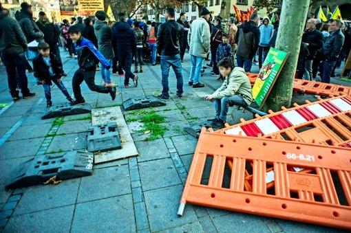 Siegesfreude und Trauer entzweien Türken in Stuttgart