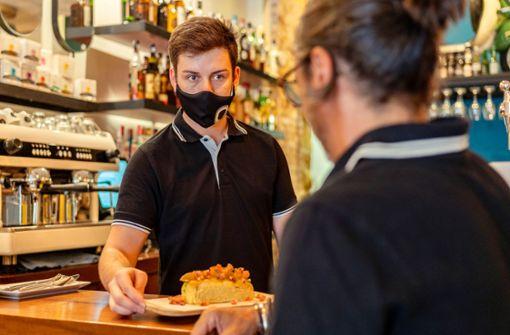 Wann gilt die Befreiung von der Maskenpflicht für Beschäftigte – und wie lange?