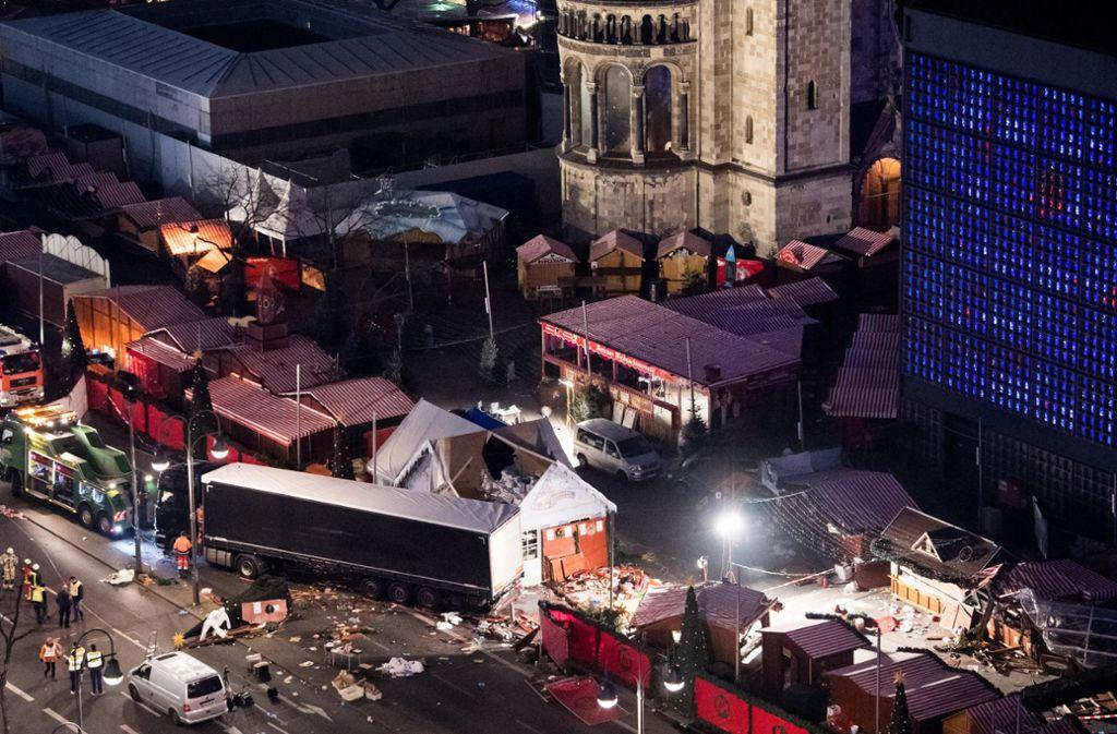 Der Weihnachtsmarkt am Breitscheidplatz. Foto: dpa/Bernd von Jutrczenka