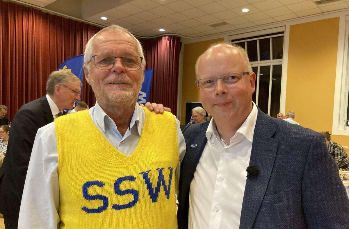Flemming Meyer (links) und Stefan Seidler, Parteichef und Spitzenkandidat vom SSW Foto: dpa/Birgitta von Gyldenfeldt