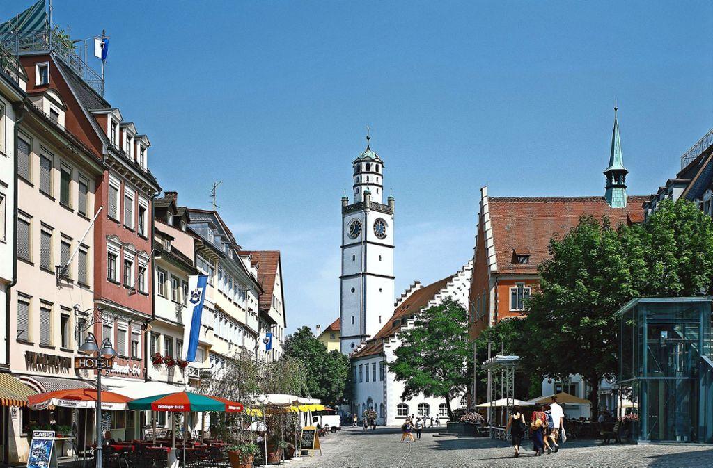 Im Ravensburger Rathaus glaubt man an die Anziehungskraft einladender Stadtplätze. Foto: mauritius images  /Werner Otto