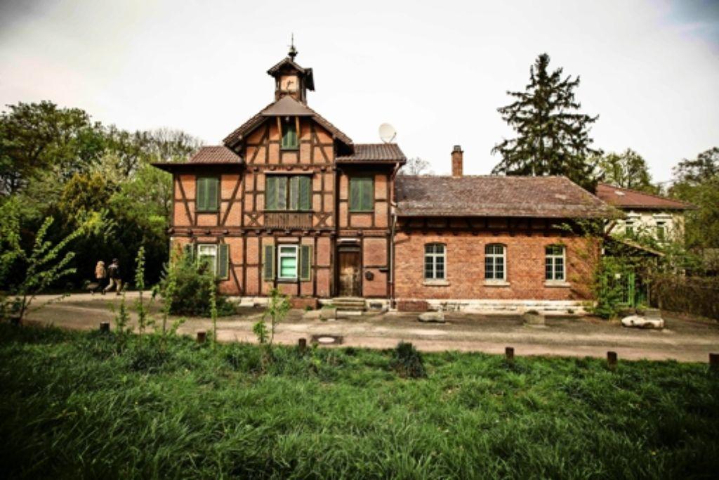 Die Initiative Garnisonsschützenhaus setzt sich seit mehr als einem Jahr für den Erhalt des historischen Gebäudeensembles am Dornhaldenfriedhof ein. Foto: Leif Piechowski