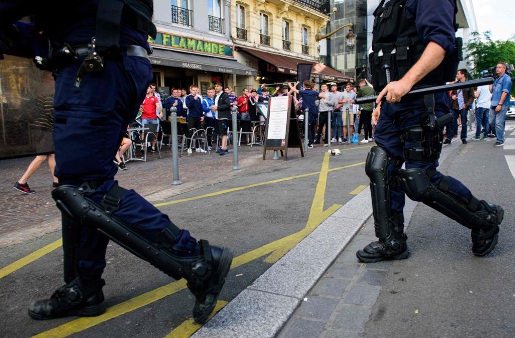 In Marseille war es zu blutigen Krawallen zwischen englischen und russischen Fußballfans gekommen. Foto: AFP