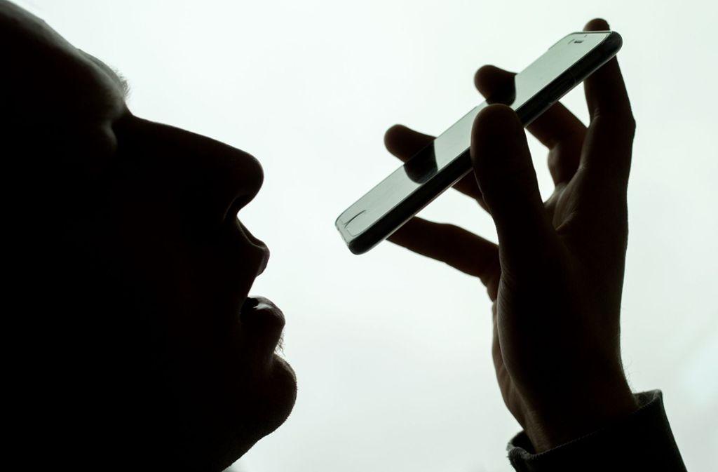Apple steht wegen Siri in der Kritik. Foto: Alexander Heinl/dpa