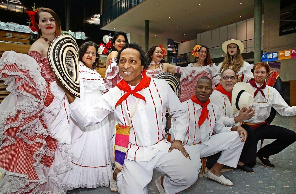 Buenos Dias: In diesem Jahr sagen bei der CMT die Botschafter des Partnerlands Panama hallo. Viel zu sehen ist  auch im Bereich Caravaning. Foto: Rosar(2), Lichtgut/Willikonsky