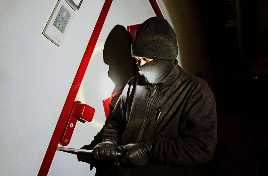 Die Polizei meldet mehrere Einbrüche in Geschäfte am Wochenende. Foto: dpa (Symbolbild)