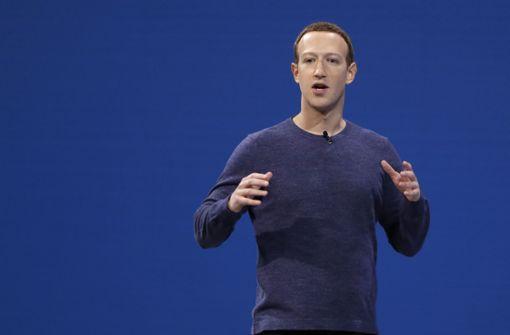 Mark Zuckerberg gerät durch Datenskandal bei Anlegern unter Druck