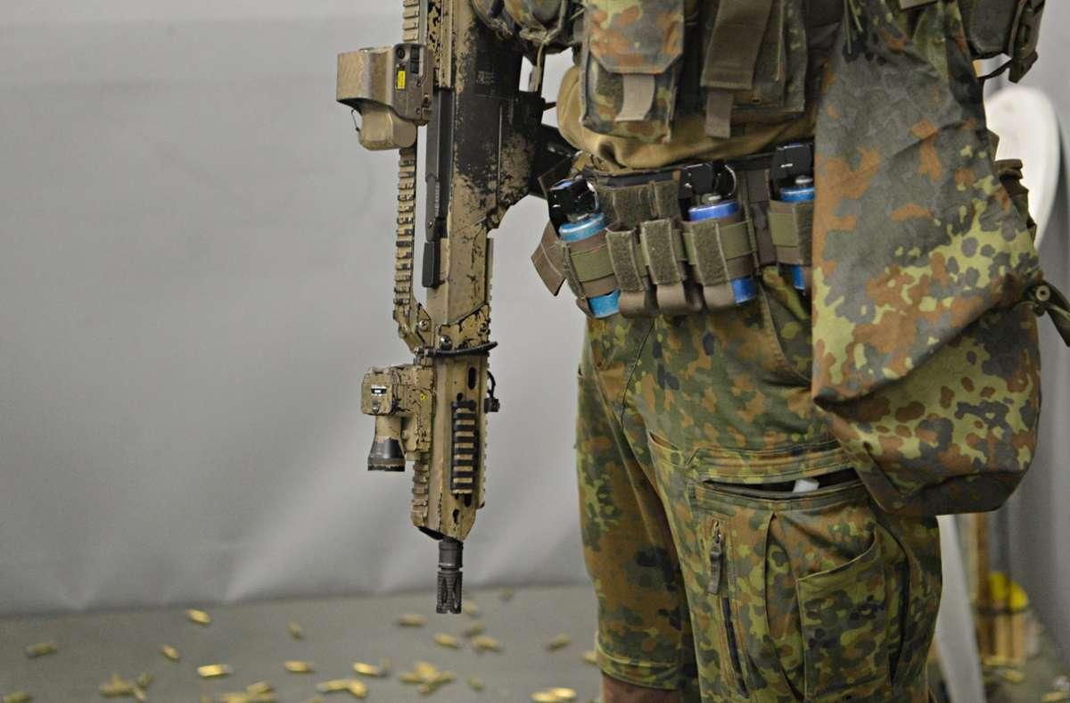 Anlass für die Ermittlungen seien Medienberichte zu einer Sammelaktion von Munition am Sitz des KSK in Calw. Foto: dpa/Franziska Kraufmann