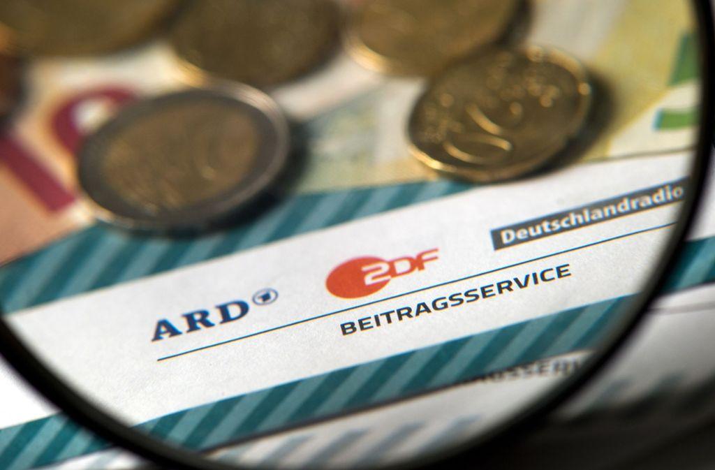 ARD und ZDF werden mit Rundfunkgebühren finanziert. Foto: dpa-Zentralbild