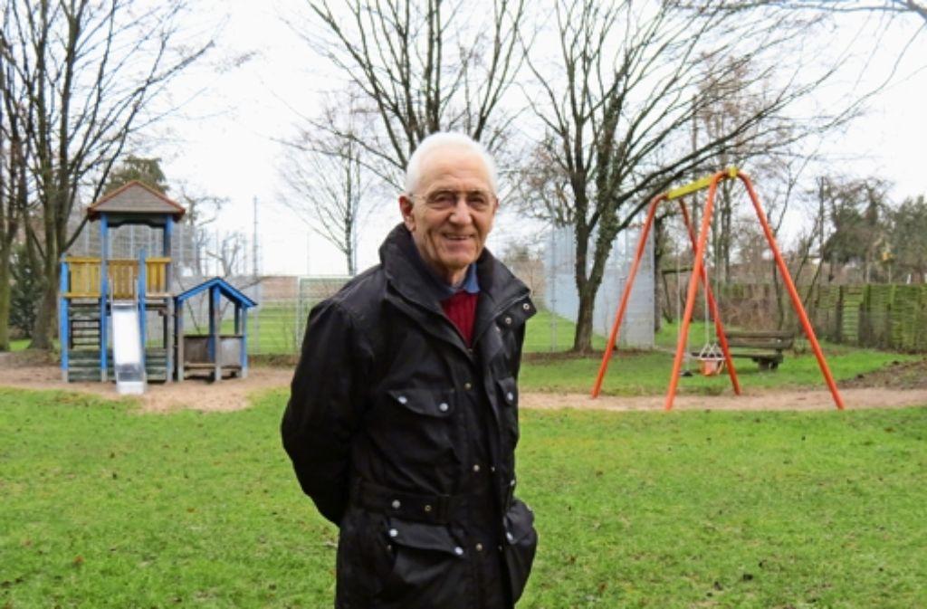 Fast jeden Tag schaut Jean Chauvet auf dem Spielplatz Teichäcker nach dem Rechten. Foto: Barnerßoi