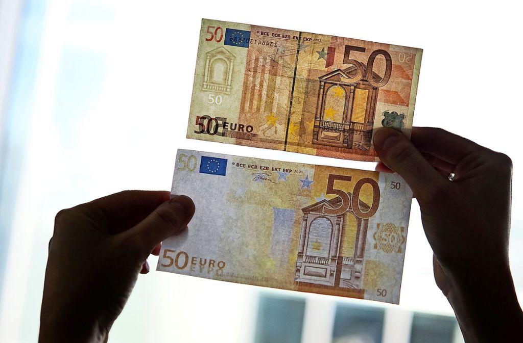 Die gefälschten 50-Euro-Scheine im aktuell verhandelten Fall waren offenbar nicht leicht erkennbar. Foto: dpa-tmn/Franziska Koark