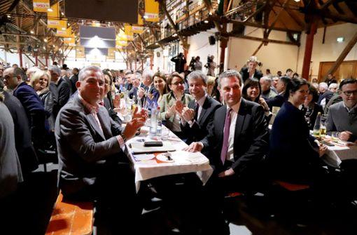 Oettinger trinkt lieber Riesling als Wasser