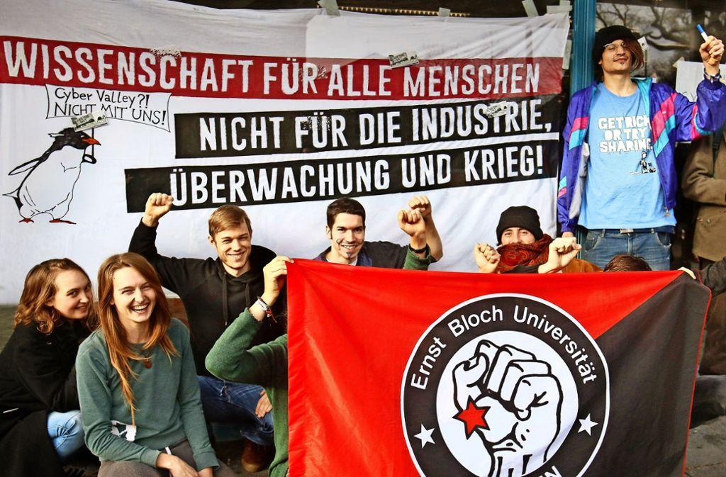 Die Besetzer des Tübinger Hörsaals sind  geduldet. Sie kritisieren  die Beteiligung der Uni an der  Cyber-Valley-Initiative. Foto: Horst Haas