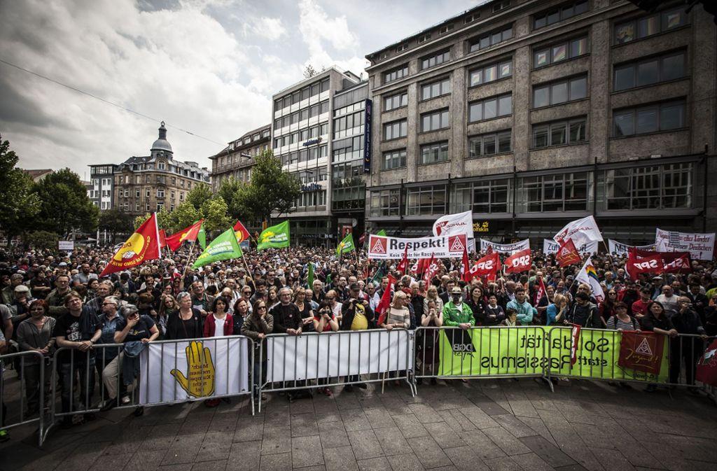 Im Mai 2015 demonstrierten Tausende in Stuttgart gegen Rechts. Foto: Lichtgut/Leif Piechowski (Archiv)