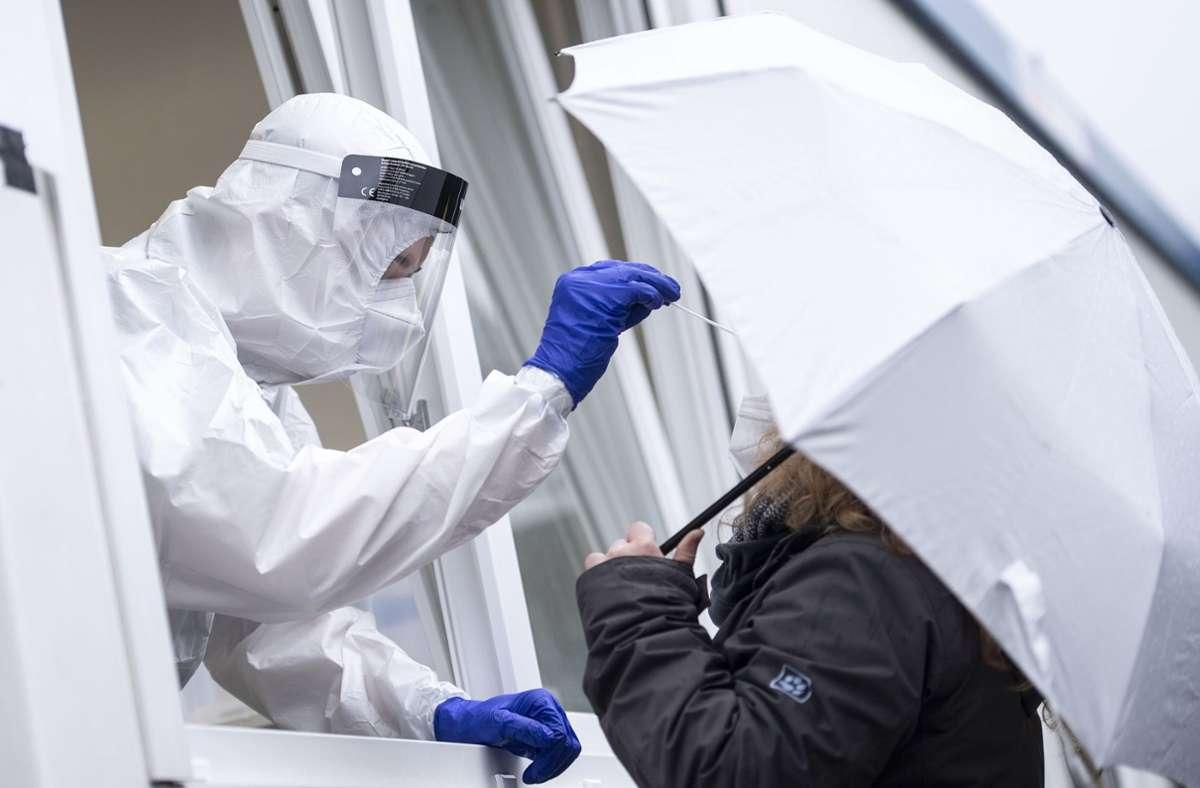 Die Zahl der Coronavirus-Neuinfektionen steigt in Deutschland weiter. Foto: dpa/Marius Becker