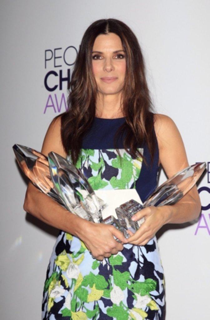 Teen Choice Awards Sandra Bullock and Selena Gomez Win.