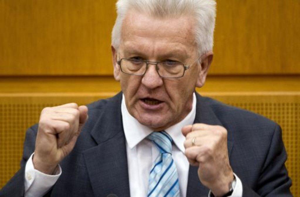 Die Bundes-Grünen rücken in ihrem Wahlprogramm nach links. Im Ländle hatte Ministerpräsident Kretschmann den Unternehmern gerade erst ihre Angst vor grüner Wirtschaftspolitik genommen. Das Wahlprogramm bringt den konservativen Regierungschef nun in Erklärungsnot. Foto: dpa