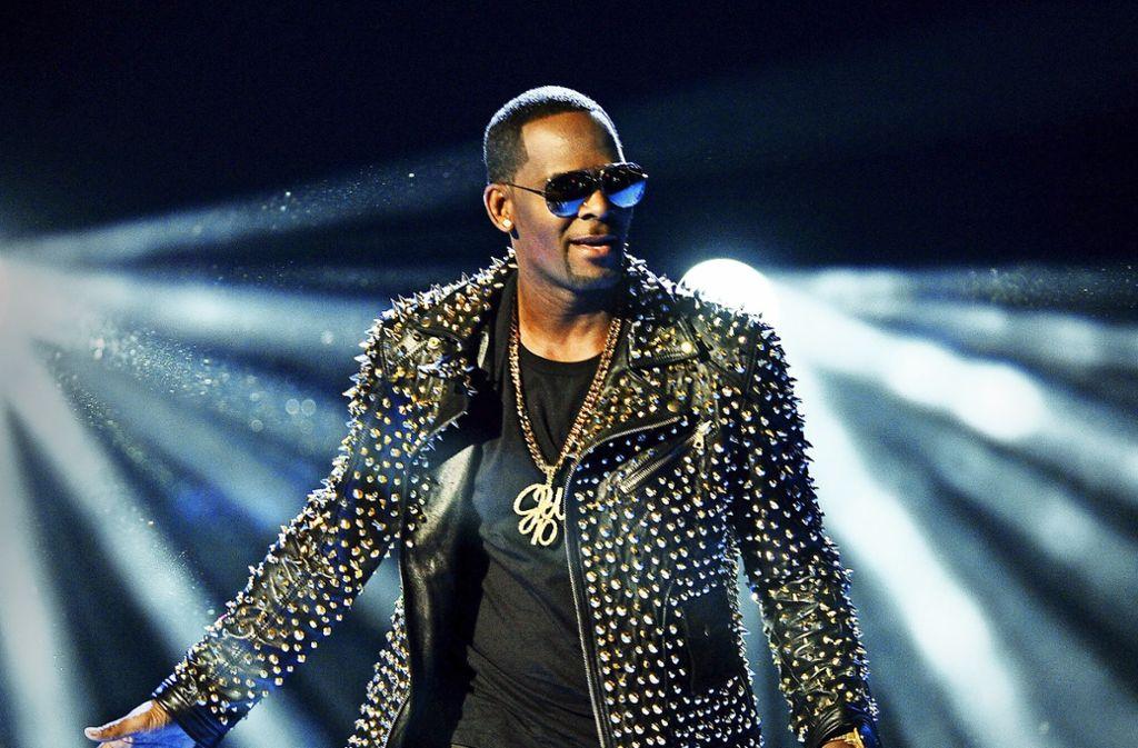 R. Kelly bei einem Auftritt in Los Angeles im Jahr 2013 Foto: dpa