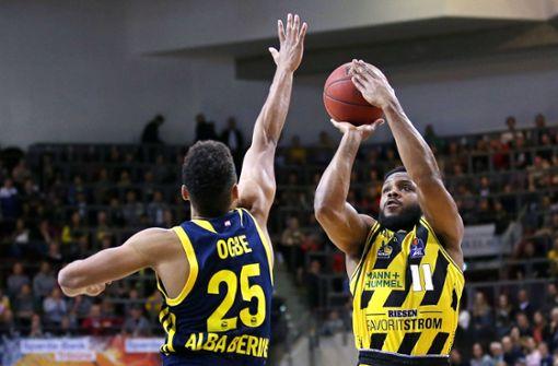 Basketballer holen US-Amerikaner Marcos Knight zurück