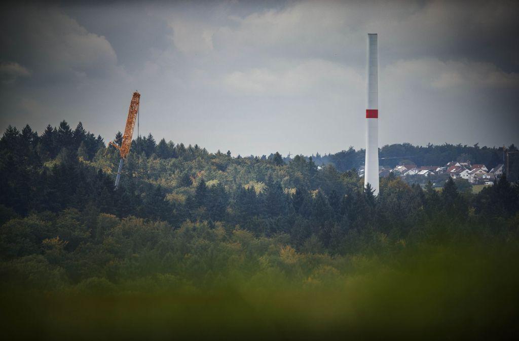 Der Bau der Windräder auf dem Goldboden hat bereits begonnen – für Pro Schurwald kein Grund, aufzugeben. Foto: Gottfried Stoppel