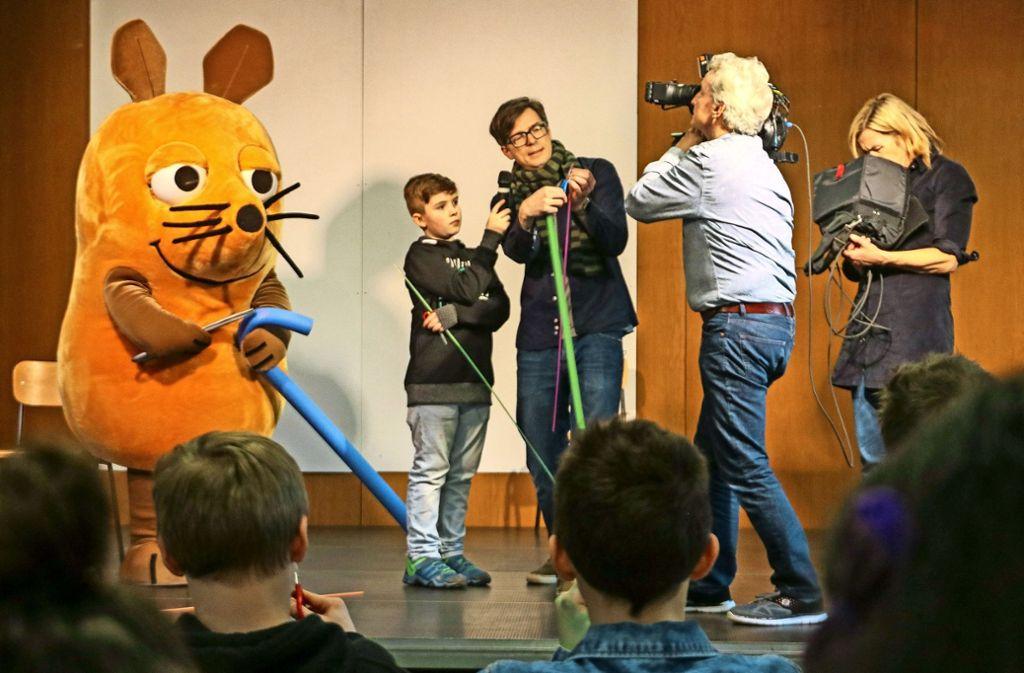 Der elfjährige Luis Forini hat die Maus an sein Gymnasium nach Besigheim holen können. Weitere Bilder zum Drehtag finden Sie in unserer Bildergalerie. Foto: factum/Granville