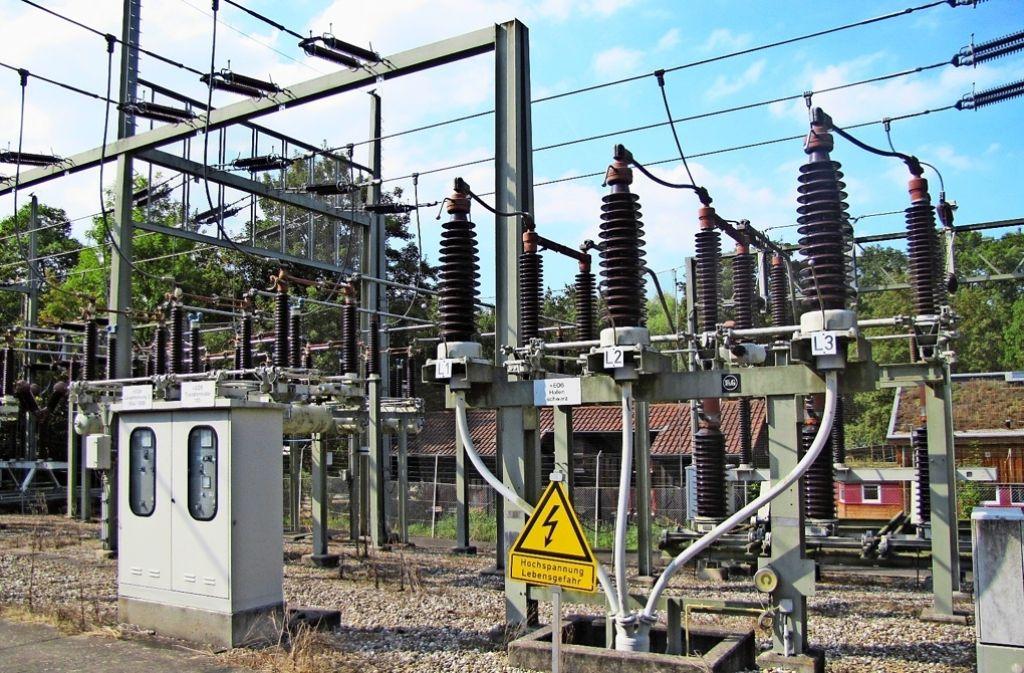Umspannwerk Birkach: Der Strom von den Hochspannungsleitungen muss für die Haushalte umgewandelt werden. Foto: Jacqueline Fritsch