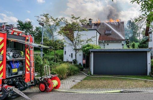 Haus des Landrats Eininger steht in Flammen