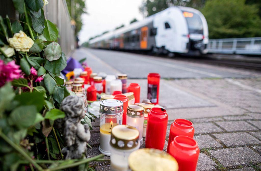 An diesem Bahnhof in Voerde starb die Frau. Foto: dpa/Marcel Kusch