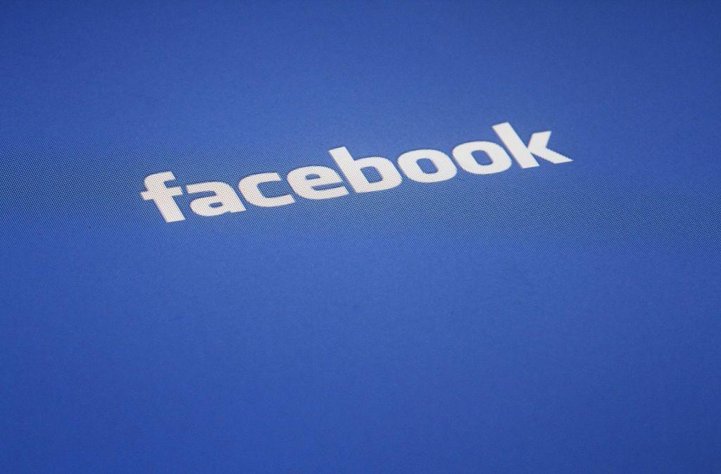 Facebook gerät wegen diverser Fake-Profile und Fake-News immer stärker in die Kritik. Foto: AP