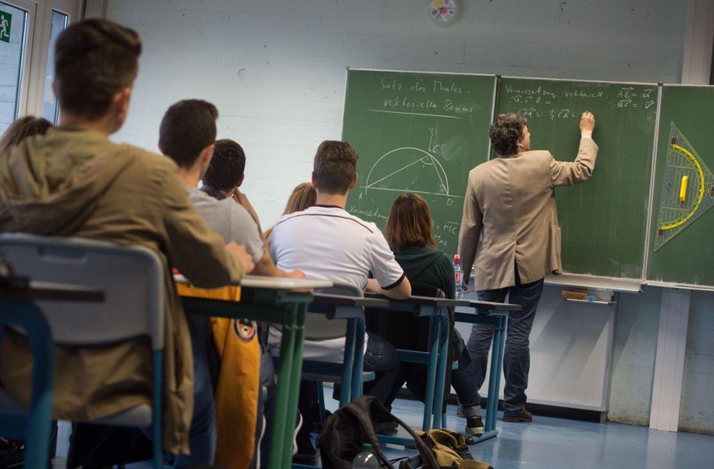 Das Schuljahr 2019/20 steht vor der Tür – aber viele Lehrer fehlen. Foto: Marijan Murat/dpa