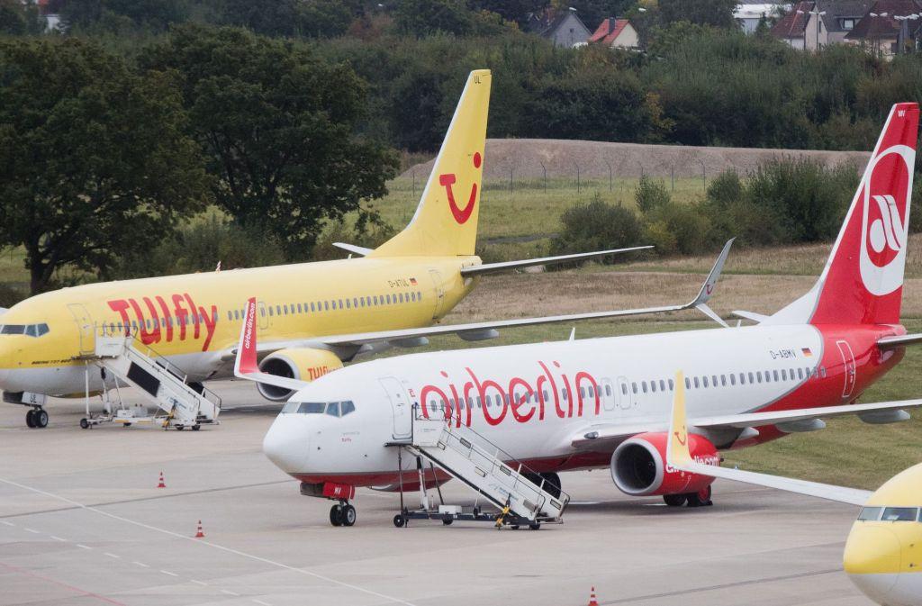 Air Berlin ist in großen wirtschaftlichen Schwierigkeiten – und aus  der  geplanten Allianz zwischen Tuifly und der ehemaligen Air-Berlin-Tochter Niki, die heute zu Etihad gehört, wird nichts werden. Tuifly muss nun nach einem neuen Partner suchen. Foto: dpa