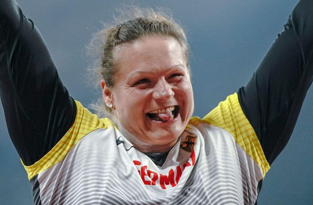 Kugelstoßerin Christina Schwanitz holt bei der WM in Doha die zweite Bronzemedaille für den DLV. Foto: dpa/Michael Kappeler