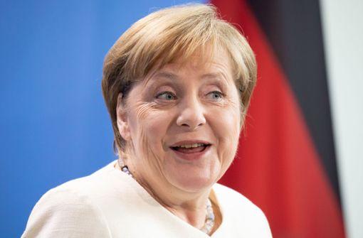 Kanzlerin erntet Lacher bei Frage zu ihrer Amtszeit